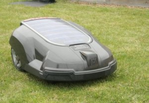 solar-powered_lawnmower